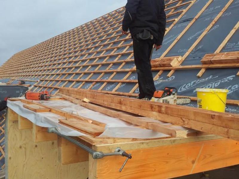 Dacharbeiten und weitere Zimmererarbeiten